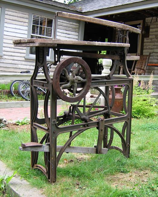 Antique Scroll Saw: Barnes Tool Co.